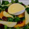 Feldsalat mit karamellisierten Birnenspalten