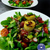 Glasierte Jacobsmuscheln an Feldsalat