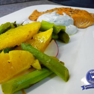 Spargel-Salat mit Stremellachs und Quark-Dip