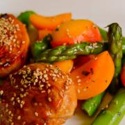Aprikosen-Spargel-Salat mit Asia-Huhn