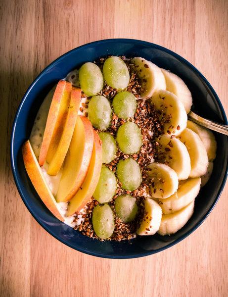 Leinsamen Johgurt mit Obst-Topping