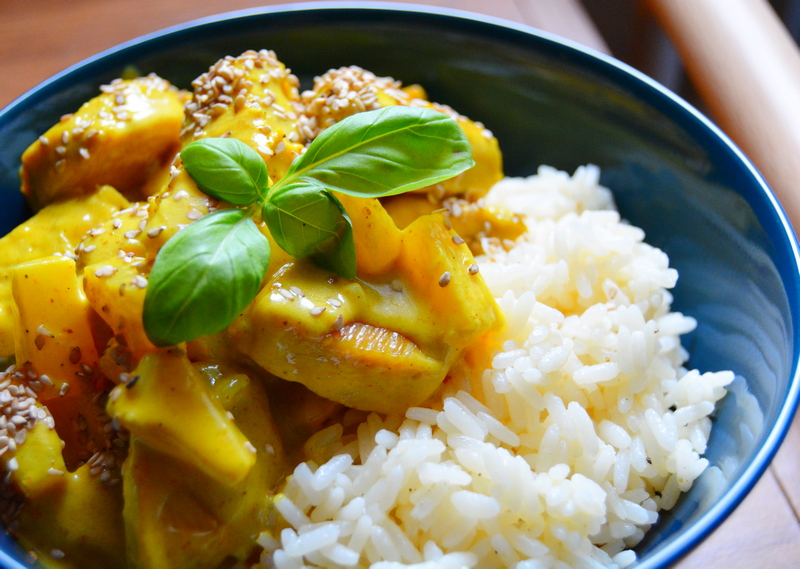 Hähnchen-Curry mit Zitronen-Reis